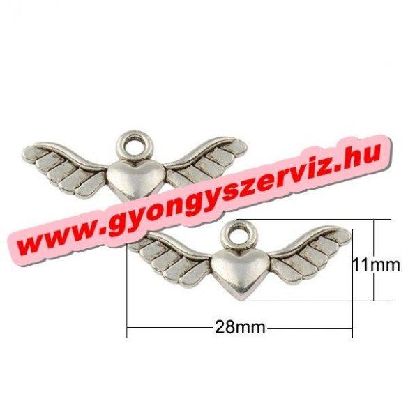 Fém medál, fityegő. Szív szárnyakkal. 28x11x2.5mm. 10db.