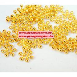 Hópehely. 8x2.5mm. Arany színű. Fémgyöngy, köztes gyöngy. 100db.