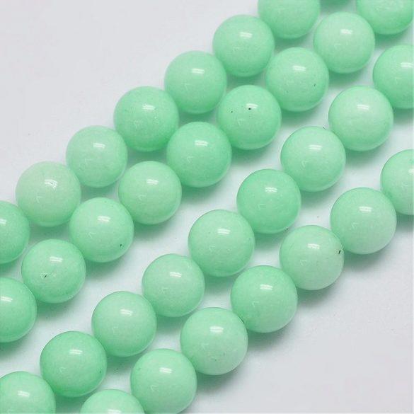 Jade ásványgyöngy. 8mm. Menta.  1 szál, kb. 40cm.