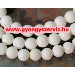 Fehér szivacskorall gyöngy. 10mm. Korall. 1 szál, kb. 40cm.